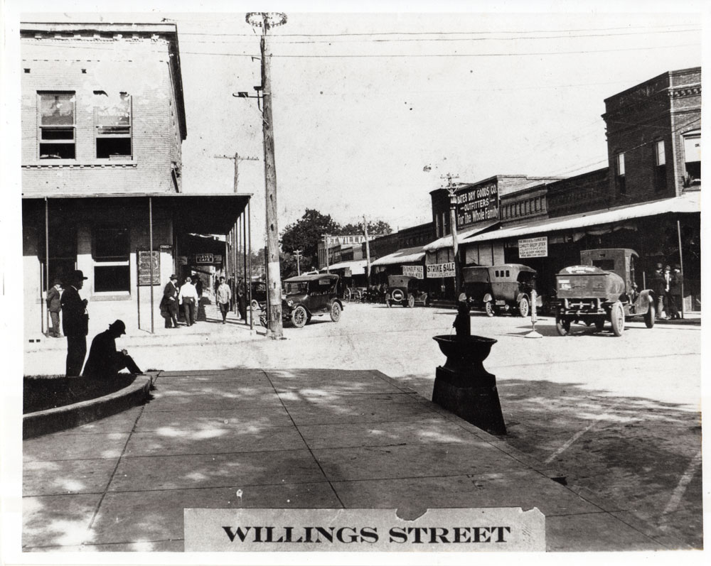 looking-north-on-willing-st-after-1921