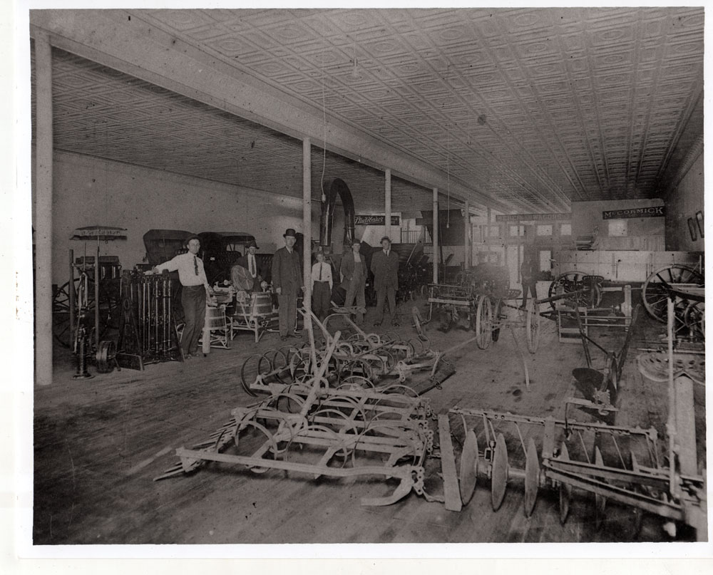 unidentified-mercantile-store