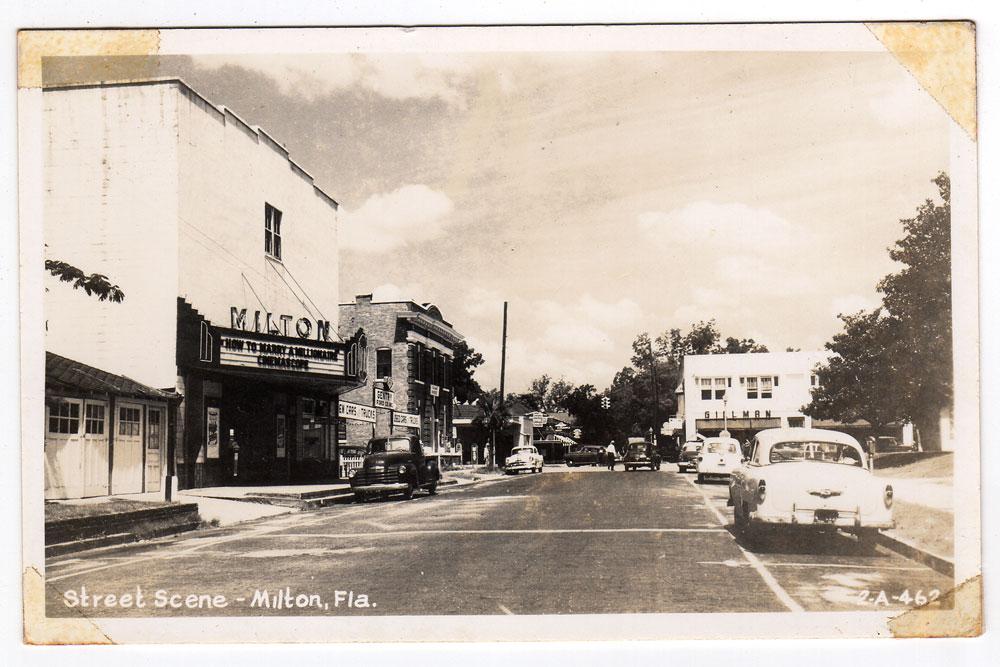 elmira-street-looking-north-1950s