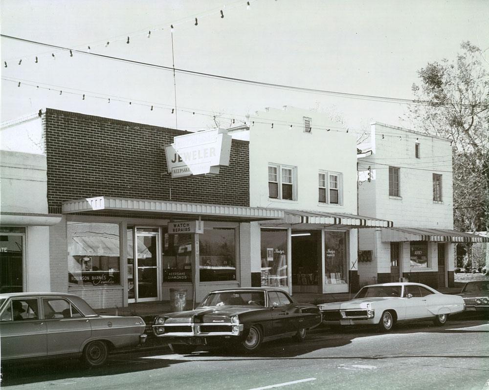 upper-willing-street-1967
